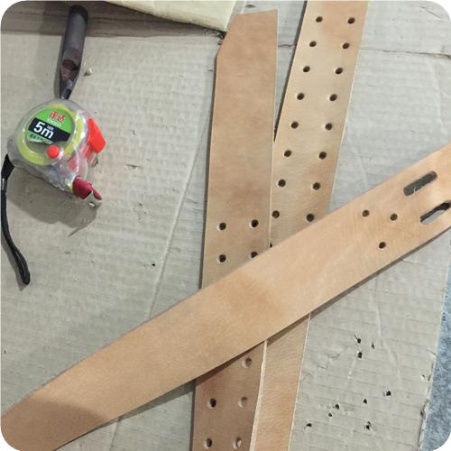 濃厚な革香水の牛皮植え付けタンニン革の原色の無頭ベルト半製品ベルトベルト
