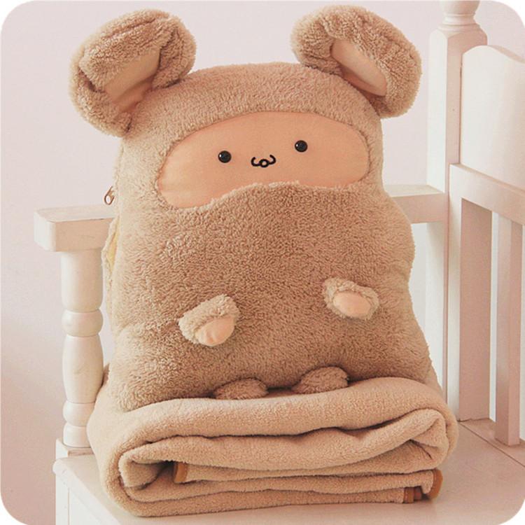 Комплект из одеяла и подушки в виде мягкой игрушки