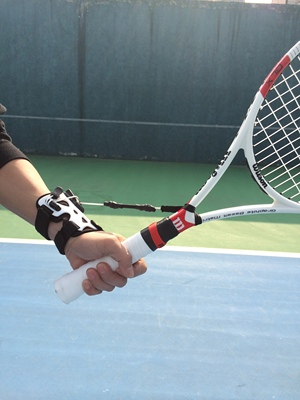 Factory direct sales tennis fixed wrist trainer fixed wrist exerciser to correct wrong wrist movements