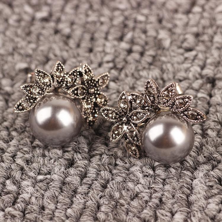韩国正版满钻花朵复古珍珠气质耳钉(非品牌)
