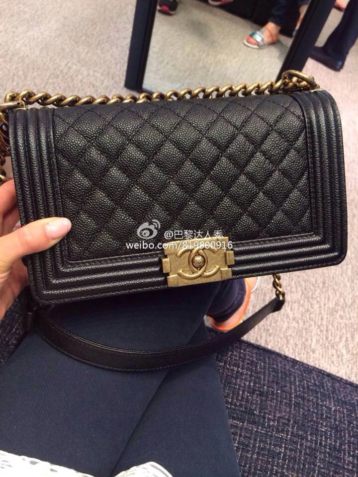 c64f17a28663 Paris stock 14 Dongkuan Chanel CHANEL LE BOY lychee black leather gold  chain, silver chain. Loading zoom