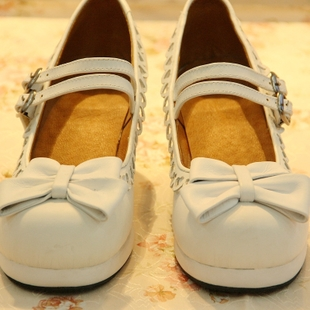 Princess lolita shoes pure white heart shaped hollow waterproof rough heels shoes custom models with round buckle