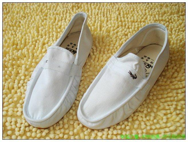 Popular classic traditional craft lazy shoes canvas shoes casual shoes white special price 19 yuan