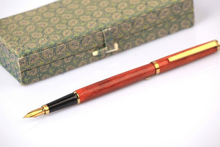 Old wooden pen shell Venus Venus 916