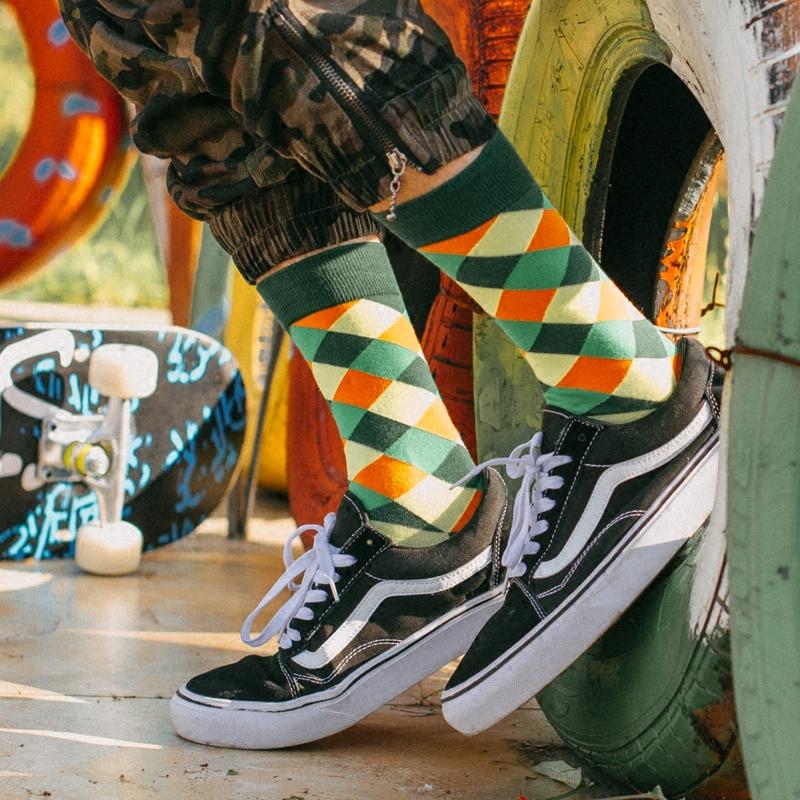 袜子男女秋季情侣袜纯棉中筒袜彩色菱格个性潮袜欧美街头滑板长袜