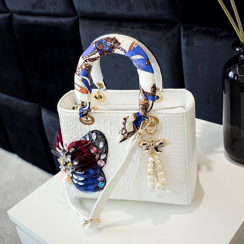 Spring 2020 new style diamond inlaid womens bag butterfly Princess Diamond belt diamond color diamond womens bag slung one shoulder handbag