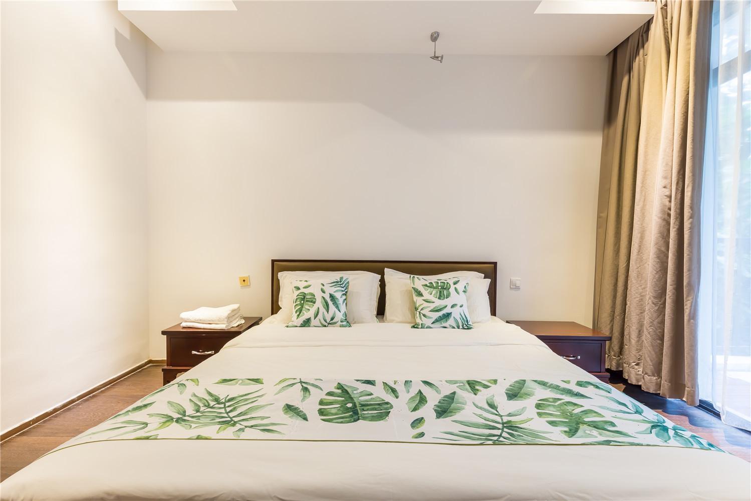 三亚紫龙花园洋房度假公寓精品一卧室一厅度假套房