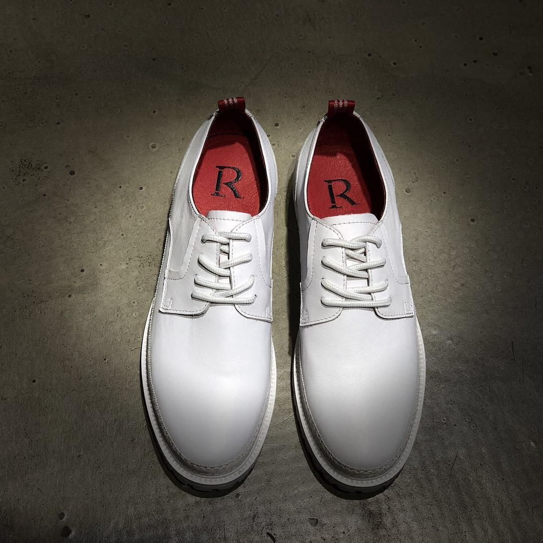 原创春夏款欧洲站摩登潮男鞋英伦布洛克休闲皮鞋韩版青年低帮鞋子