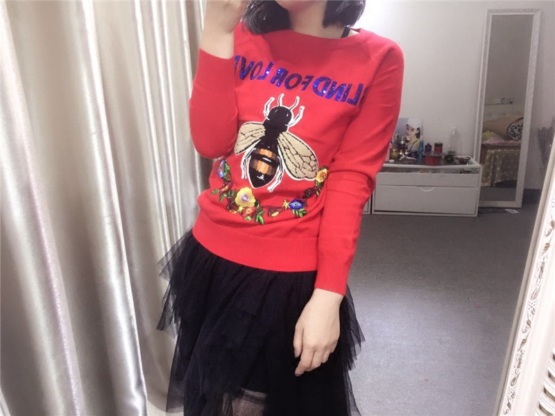 Zhao Weis same heavy industry bee flower embroidery long sleeve sweater letter Sequin Pullover Sweater
