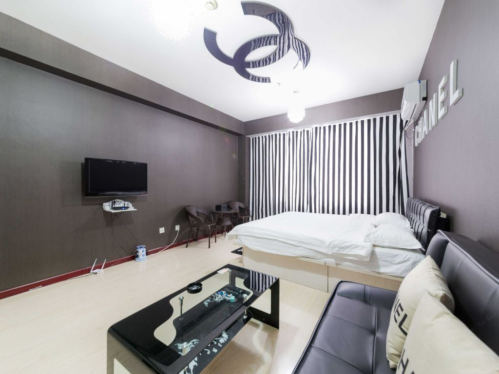 Shenyang suwai art theme apartment Chanel private customized big bed room