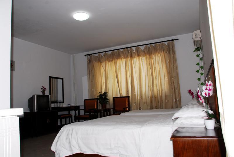 Qinhuangdao gold coast sea view Longyuan Garden Villa xiaoqidian villa family room