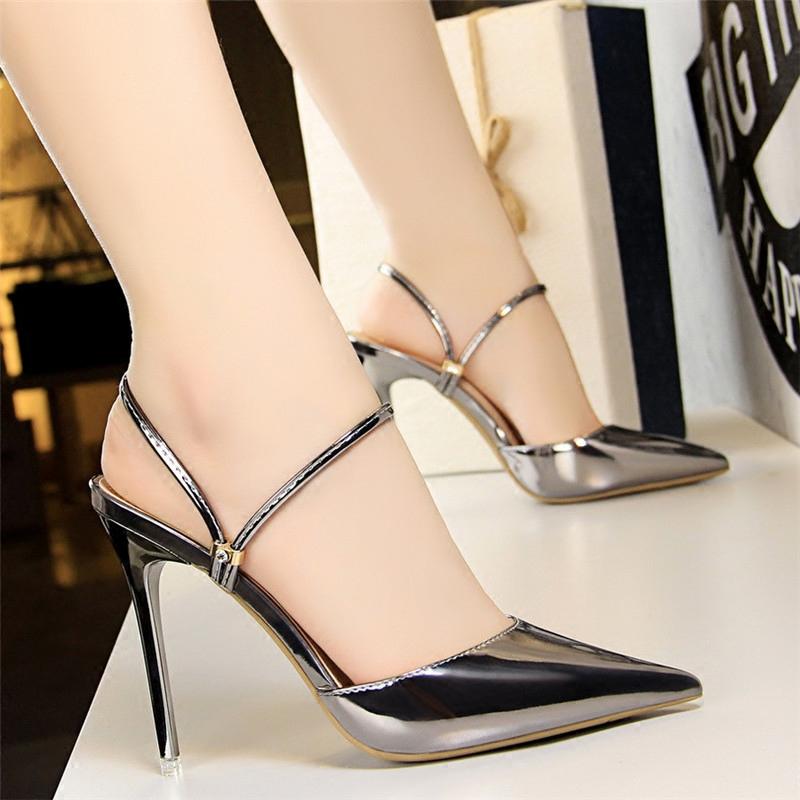 欧美2020新款银色尖头鞋漆皮金属细跟水钻单鞋高跟一字带女拖凉鞋图片