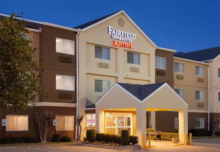 朗维尤 Fairfield Inn & Suites 酒店