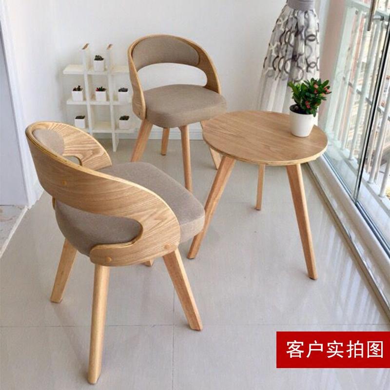 Дерево балкон столы и стулья три образца кофейный столик сочетание случайный стул спальня стул суд больница столы и стулья современный простой стул творческий