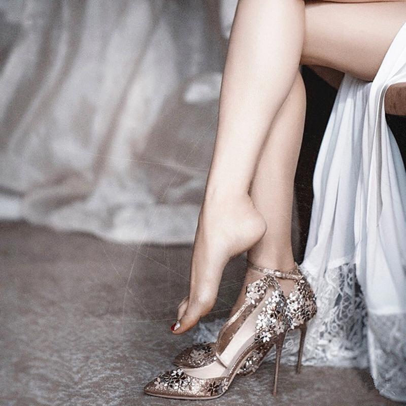 2019尖头银色水晶婚鞋法式少女高跟鞋细跟一字带扣金色秀禾新娘鞋
