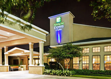 HOLIDAY INN EXPRESS & SUITES D