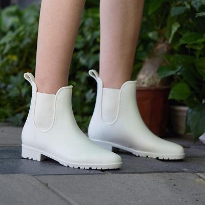 水鞋女雨靴短筒胶鞋女士韩国时尚外穿成人两穿便携防滑雨鞋女
