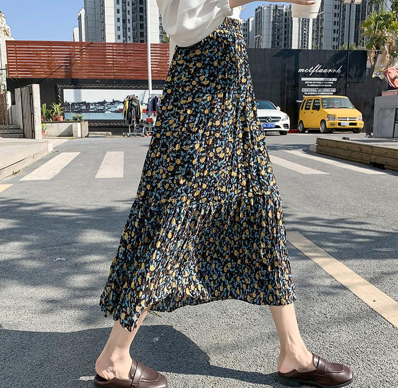 ? Spring 2020 womens new floral Chinese long skirt suitable for hip and thigh thick skirt Chiffon Skirt