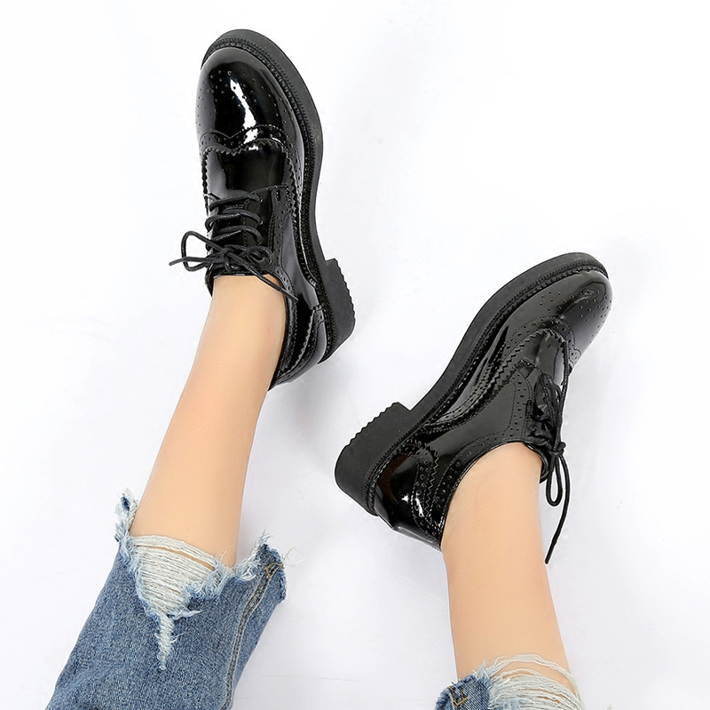 2017 autumn new British style pointed leather shoes Bullock small flat shoes Korean version of the summer heavy-bottomed shoes student