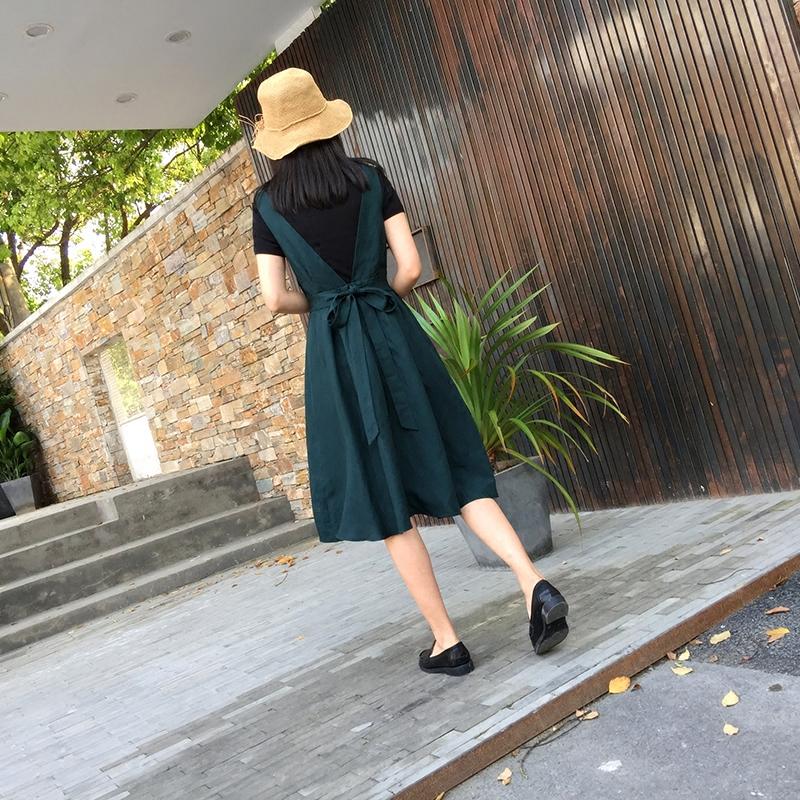 恋上韩时尚 韩国 墙推 特别雅有裙型的一条麻料背带裙女Q4919现货