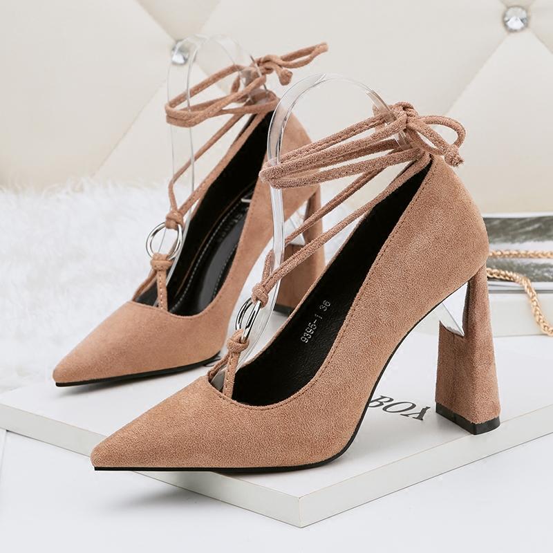 春秋季绒面浅口红色高跟婚鞋尖头粗跟蝴蝶结单鞋交叉绑带女鞋10cm