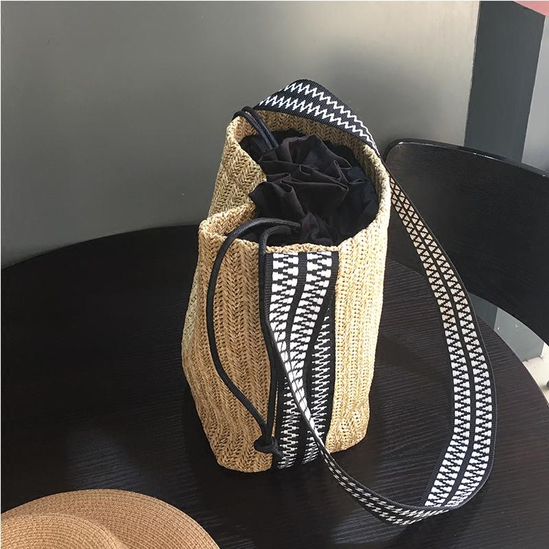 草编韩国单肩斜挎沙滩文艺水桶包有赠品