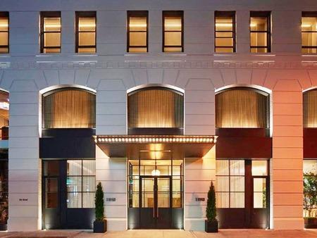 霍華德11號酒店