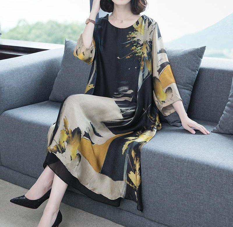 ?? Dress 2020 new large size silk dress with over knee loose temperament