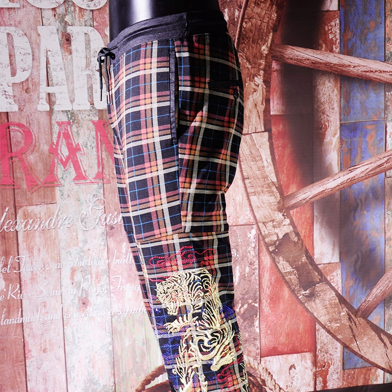 Autumn and winter new British Plaid legged casual pants high end embroidery slim fit European and American mens pants elastic large pants thick