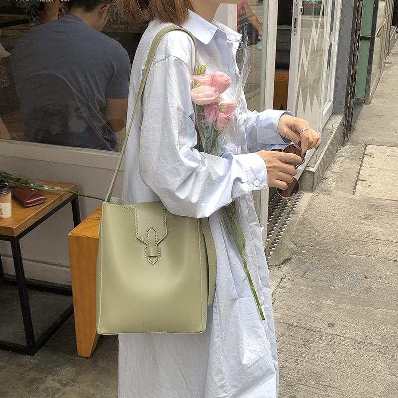 水桶包女2018新款�n版��s百搭大容量�渭绨�斜跨包包休�e子母包潮