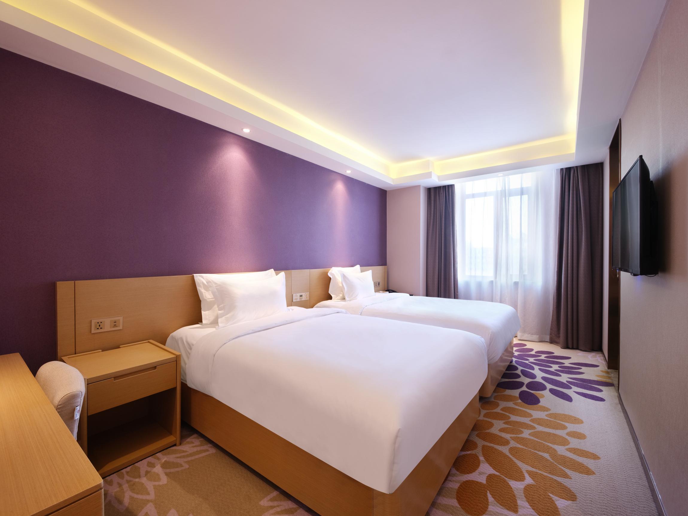 ��枫酒店(哈尔滨冰雪大世界商业大学店)豪华双床房