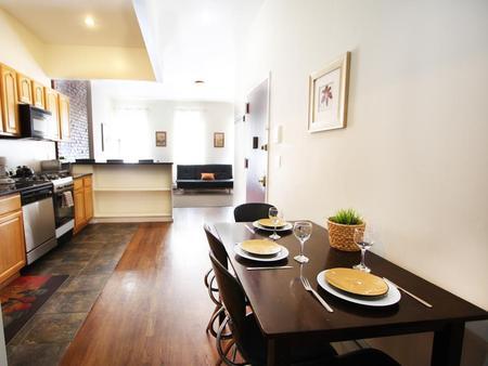 雷諾克斯公寓Unit 3-豪居套房