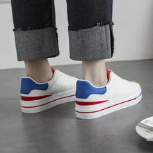 2017 новая весна толстые нижняя небольшой белые туфли женщина дикий случайный белые туфли совет обувной студент корейский обувь женская холст обувь