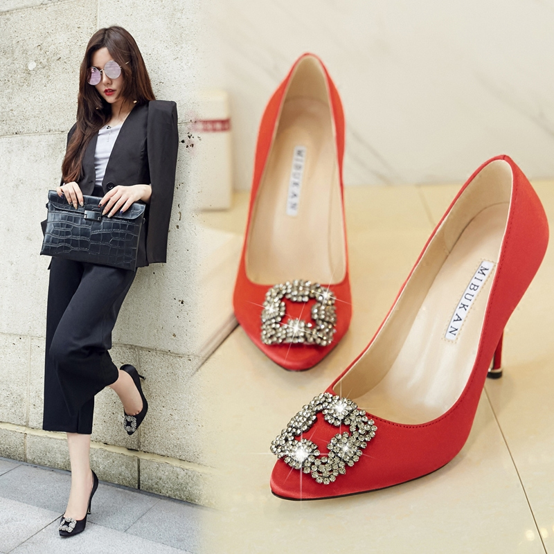 Spring 2017 new high heeled womens shoes pointed shallow square button black work single shoes red bridal wedding shoes