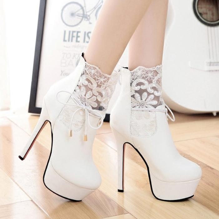 2020秋冬季高跟鞋潮女短靴时尚蕾丝细跟防水台裸靴超高跟靴子白色
