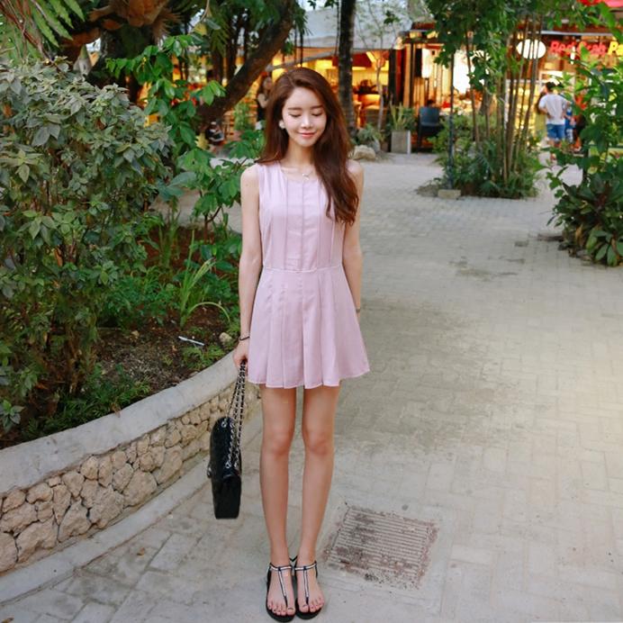 South Korea dongdamen womens 2021 summer new Jumpsuit pleated skirt shorts sleeveless round neck dress pants