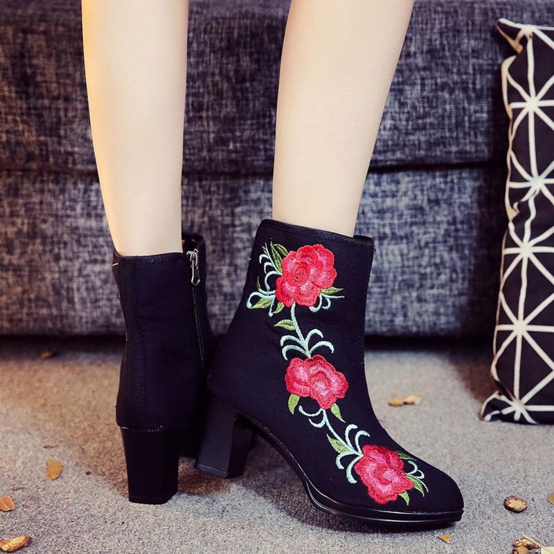 2020春秋新款短靴百搭时尚民族风女鞋绣花单靴子粗跟中高跟马丁靴