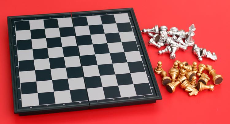 磁性国际象棋u3正品国际象棋金银色游戏折叠棋盘便携友邦益智棋类