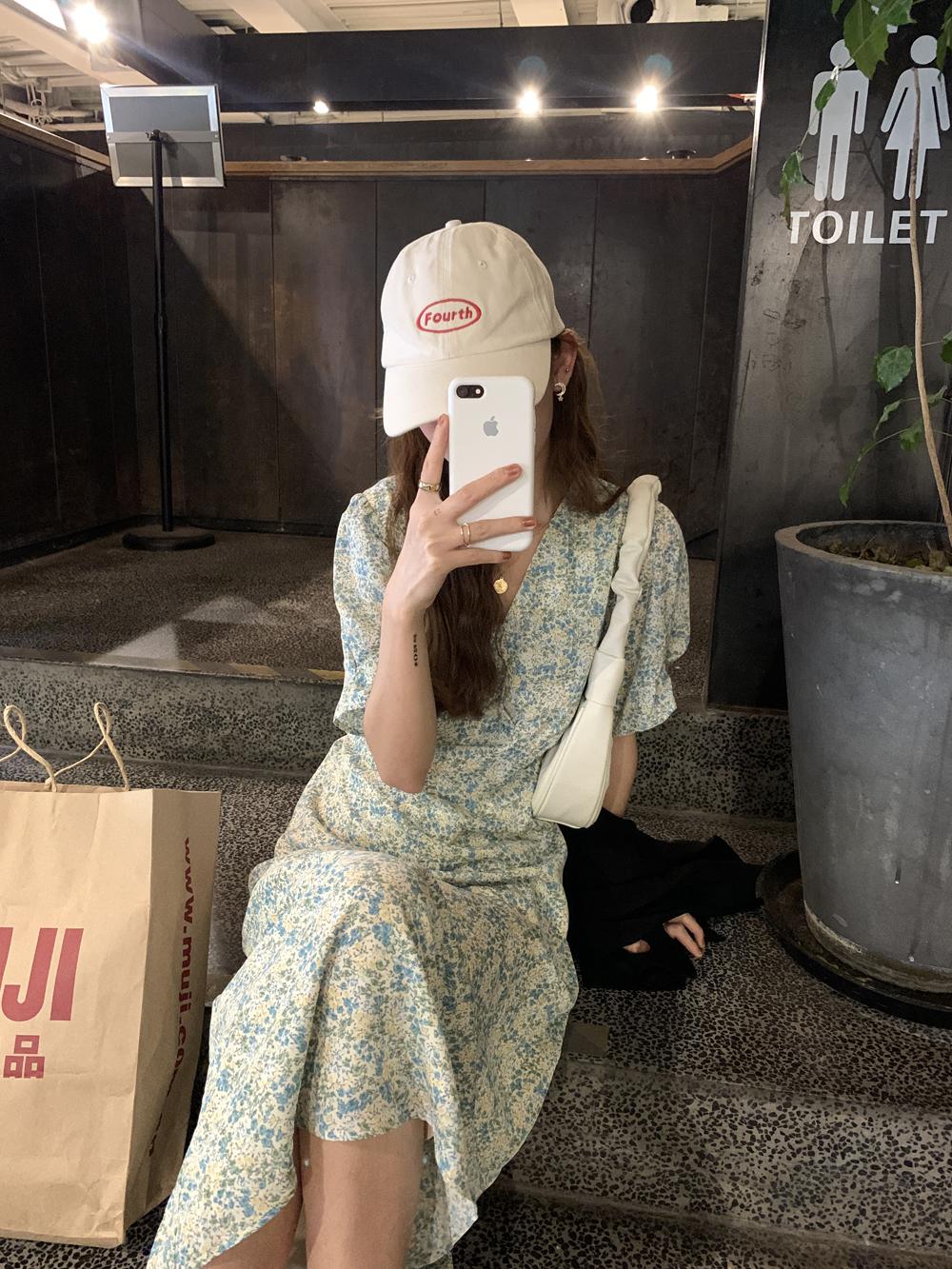 最小的海 韩版系带v领碎花连衣裙收腰显瘦裙子女2021夏季气质长裙