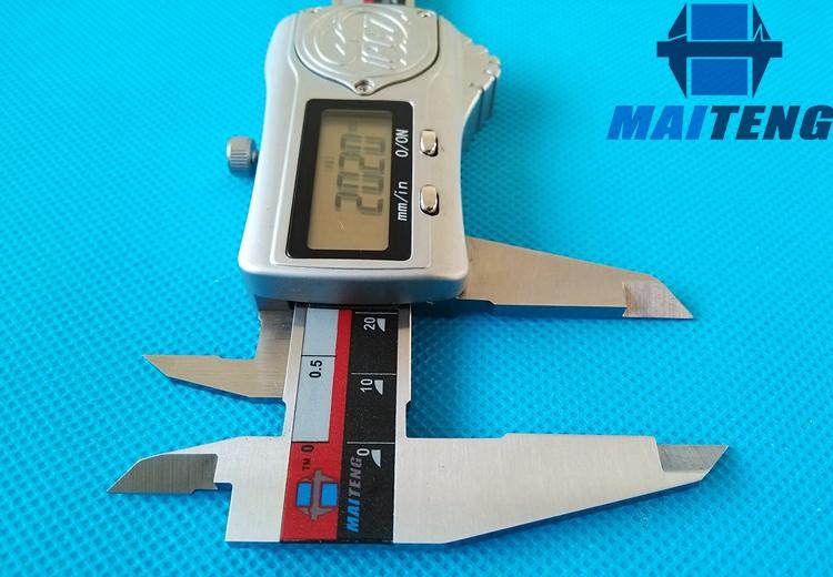 迈腾精品 金属壳IP67级防水防油数显卡尺150 电子游标卡尺 包邮