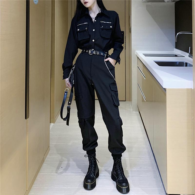 系黑暗工装裤配上衣服机能风格