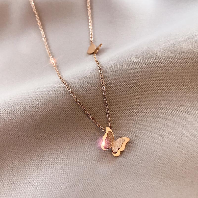 ins蝴蝶项链女锁骨链气质百搭立体感18k玫瑰金钛钢不掉色小众饰品