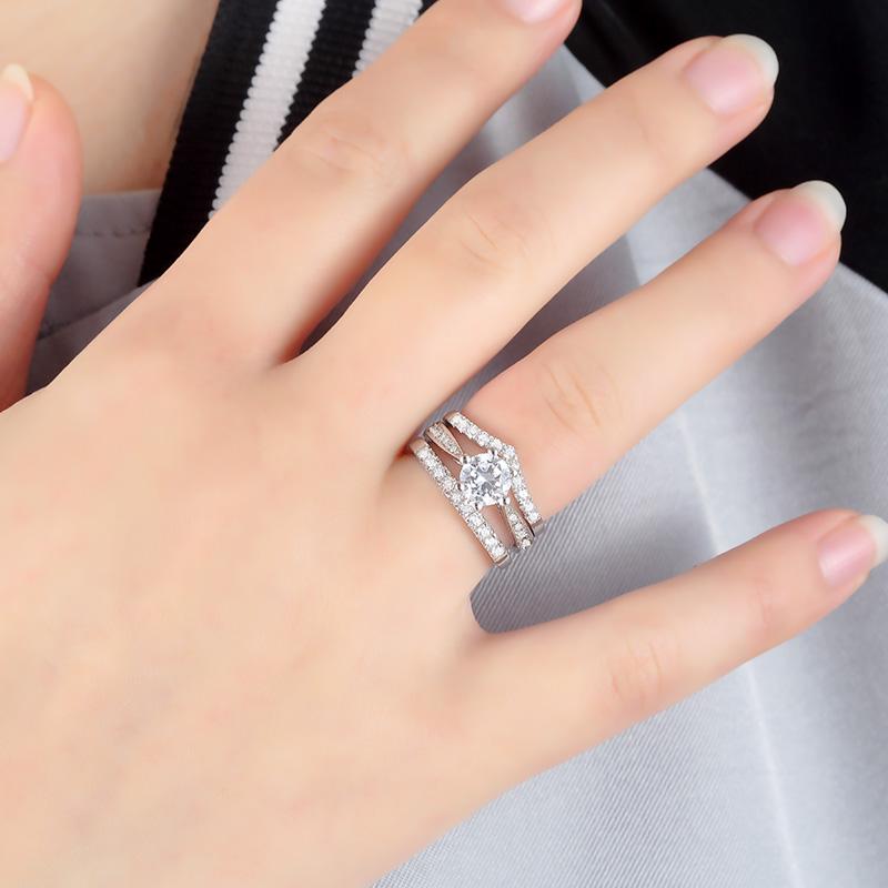 白金钻石钻戒女求婚结婚排钻戒指群镶玫瑰金碎钻护戒正品 18k V A