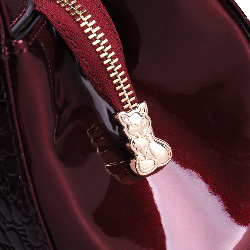 金狐狸女包2020新款潮流真皮包包单肩鳄鱼纹女包手提包大容量大包