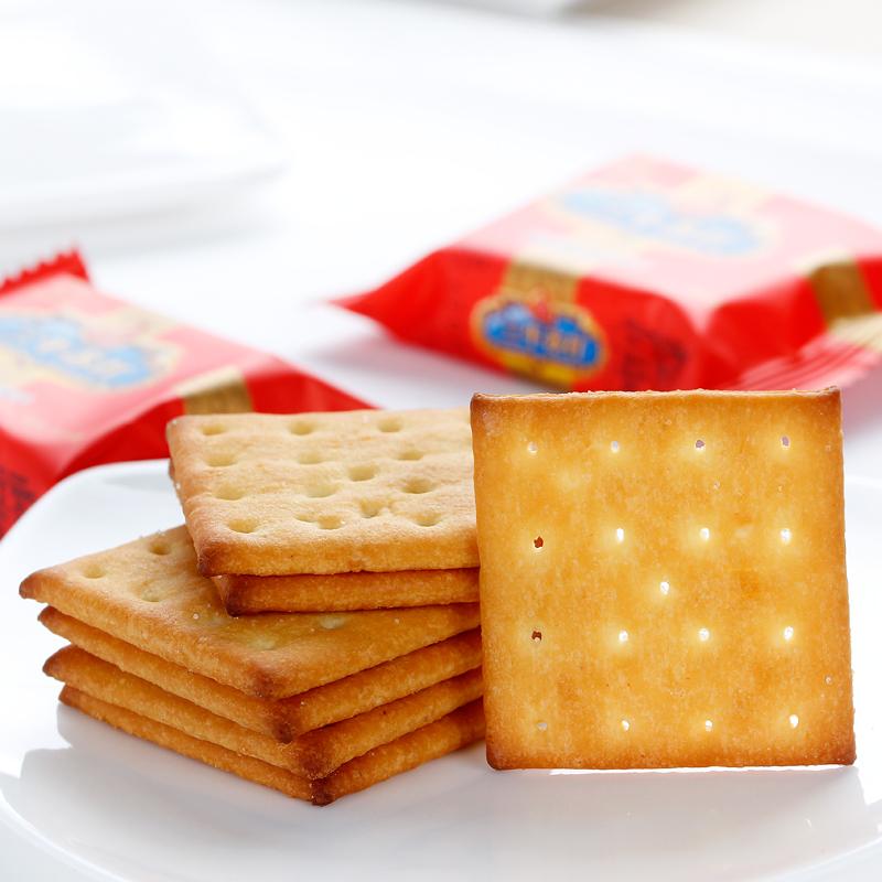三牛椒盐味苏打饼干10斤整箱批发咸味饼干雪花酥糕点原料代餐饼干