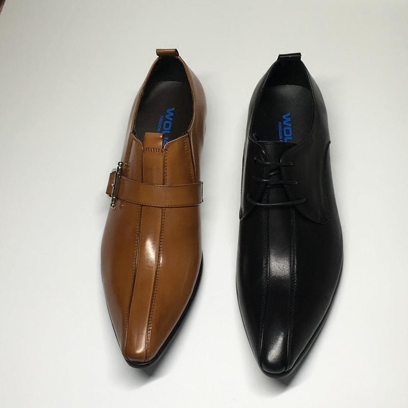 歐版皮鞋男英倫尖頭真皮商務潮流韓版髮型師黃棕色鐵搭扣酷夏季。