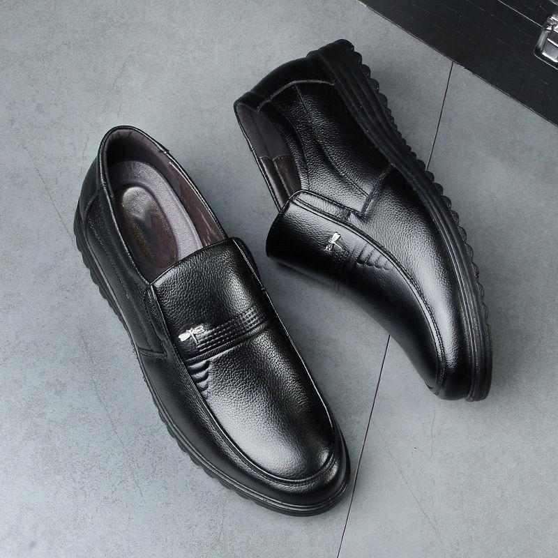 春秋新款中老年人男鞋爸爸鞋男士休闲商务皮鞋真皮牛皮软底父亲鞋