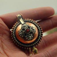 西藏特色尼泊尔手工三色铜嘎乌盒吊坠项坠纯铜噶乌盒男女挂坠饰品 (¥35)