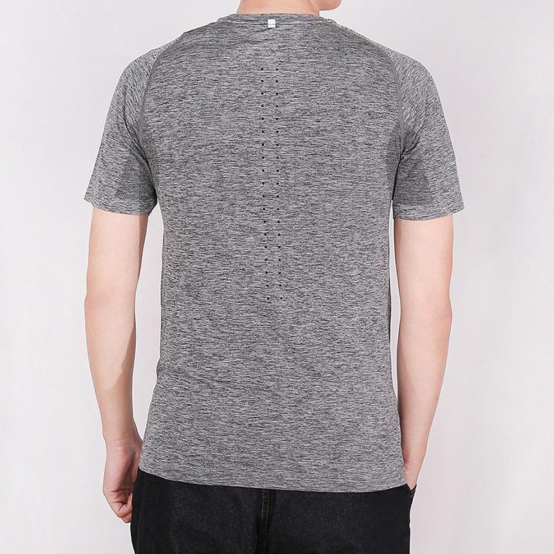 耐克男装2018夏季训练跑步运动休闲圆领透气短袖T恤717759-010