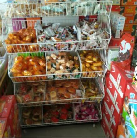 包邮斜口篮货架零食架面包架便利店药店促销架超市零食品货架带轮